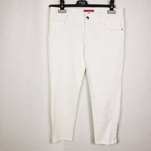 Alice +Olivia white ankle pants with zipper